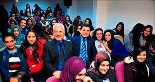 Kepez'de gençlik buluşması sürüyor