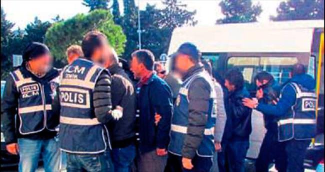 Göçmen kaçakçılığı yapanlara operasyon