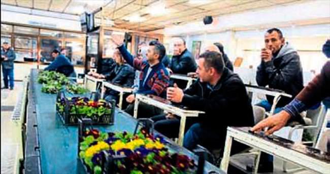 İzmirli çiçekçilerin pazar endişesi