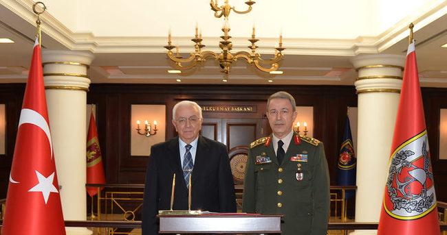 Eski Genelkurmay Başkanı Koşaner'den Akar'a ziyaret