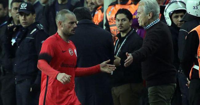 Selçuk, Sneijder'i çıldırttı