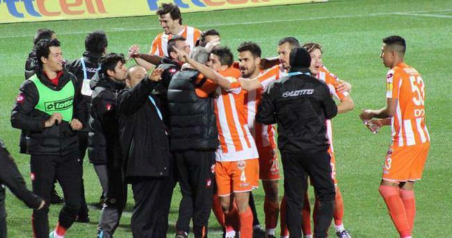 Adanaspor'da liderlik sevinci