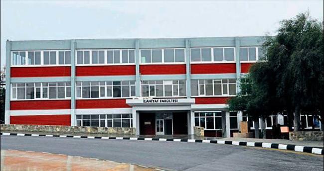 YDÜ İlahiyat Fakültesi yeni binasına taşındı