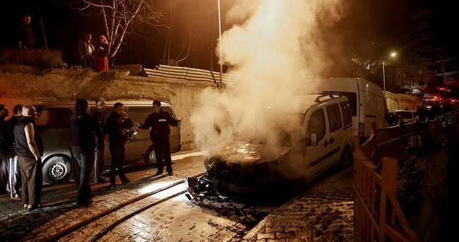 İstanbul'da 5 araç kundaklandı