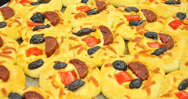 Lokmalık Pizza Nasıl Yapılır?