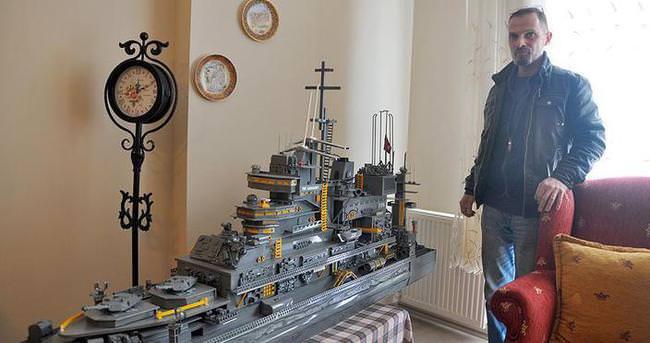 Atıklardan savaş gemisi yaptı