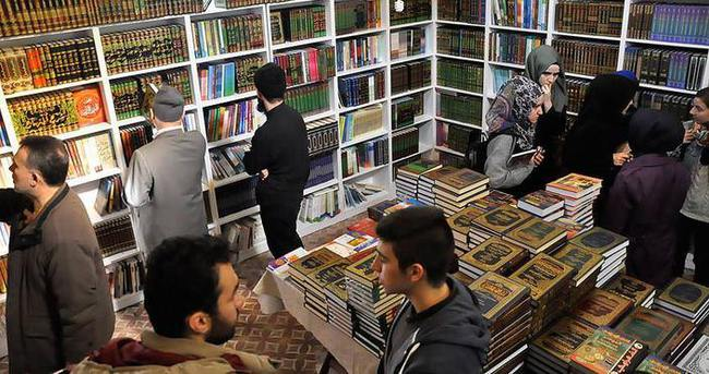 Türkiye Arapça Kitap Fuarı'na 5 günde 50 bin ziyaretçi