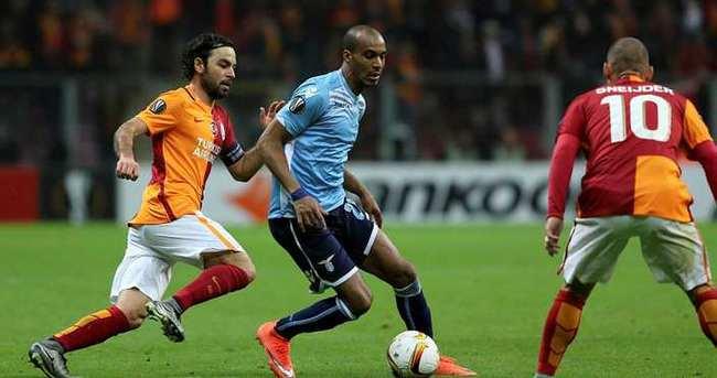 Yazarlar Galatasaray - Lazio maçını yorumladı