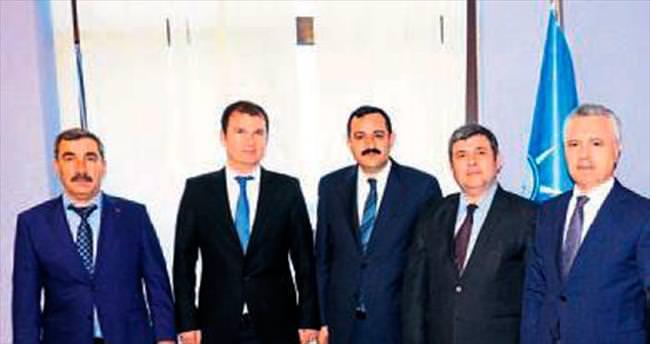 AK Parti'den Kemer'e atama