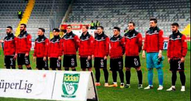Gençler'den amatör futbolcuya destek