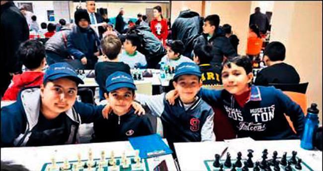 Minik satranççıların turnuva başarısı