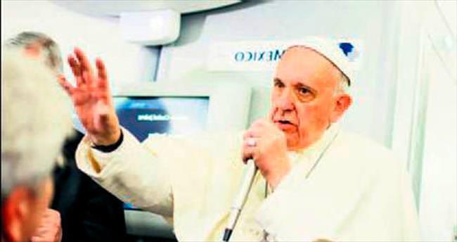 Papa, Amerikan seçim polemiğine dahil oldu