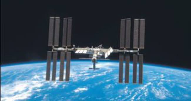 Astronotlar uzaya 1.5 ton çöp bıraktı