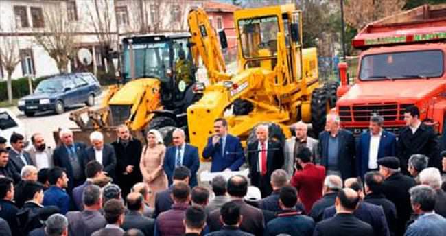 Yeni iş makineleri için tören düzenlendi