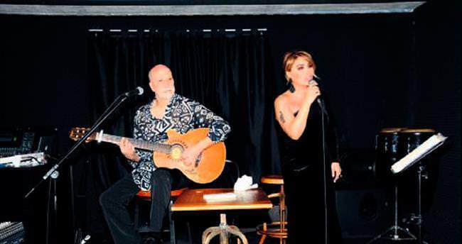 Sir Winston Brasserie'de unutulmaz aşk şarkıları