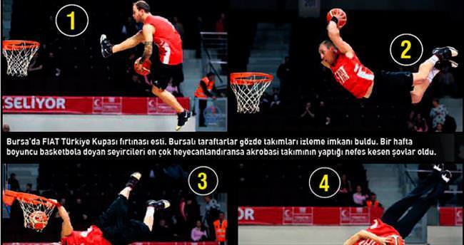 Bursa'dan ayrıldı golleri sıraladı