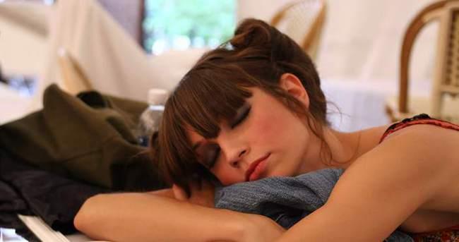 8 saatten fazla uyuyanlar risk altında!
