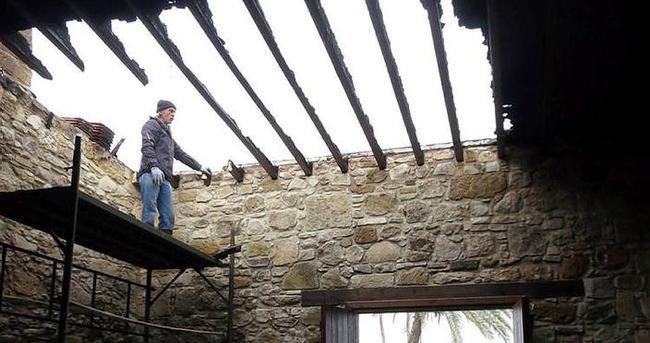 Dışişleri Bakanlığı Denya Camii'nin kundaklanmasını kınadı