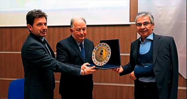 İzmir'in konsolosları Yaşar'da buluştu