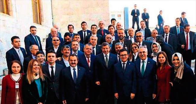 AK Parti Grubu'nda Antalyalıların günü