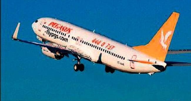 Sarhoş yolcular uçak indirtti