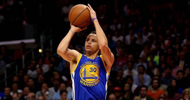 Stephen Curry'nin rekor gecesi