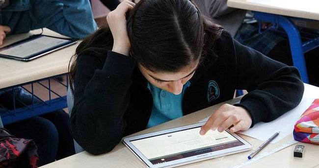Özel yetenekli öğrencilere ilk 'tablet' sınavı başlıyor
