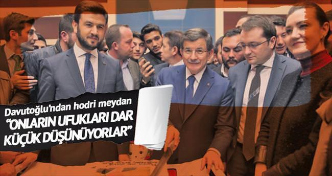 Yeni anayasa için referandum mesajı