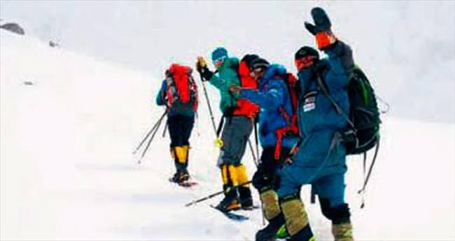 'Katil Dağ'da ilk kış zirvesi