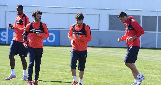 Trabzonspor'da Cardozo takımla çalıştı