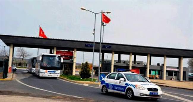 Yunanistan, 300 mülteciyi Türkiye'ye teslim etti
