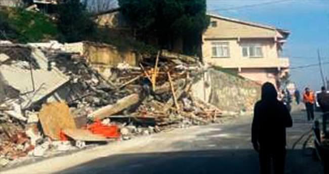 Küçük Armutlu'da terör yuvaları yıkıldı
