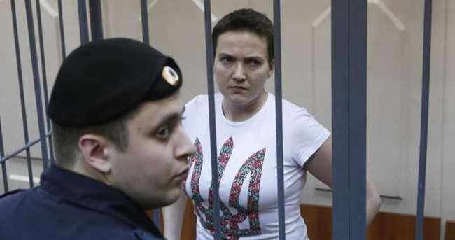 Rusya'da tutuklu Ukraynalı pilotun 23 yıl hapsi isteniyor
