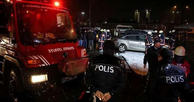 Fatih'te 5 otomobil kundaklandı