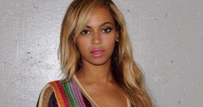 Beyonce'nin 2300 TL'lik tişörtü!