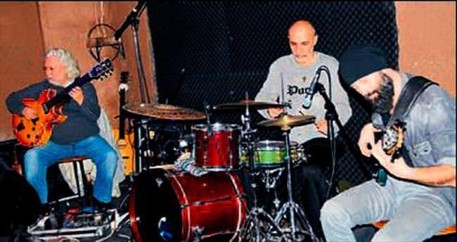 Tarihi Kaleiçi'nde caz müziği esintisi