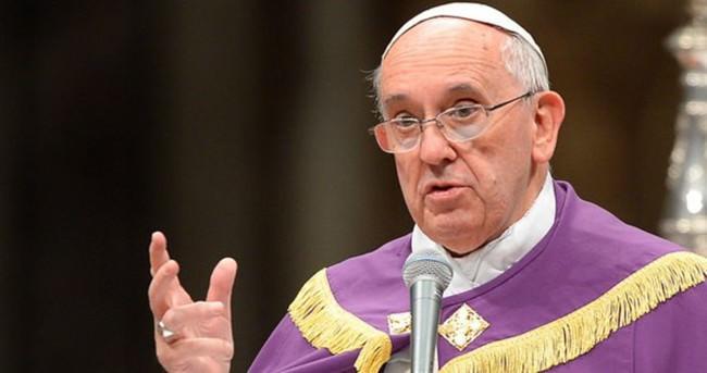 Papa'dan sığınmacılara çirkin benzetme