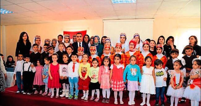 İşaret diliyle İstiklal Marşı'nı okudular