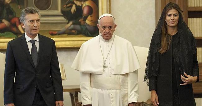Papa bir kuralı daha yıktı
