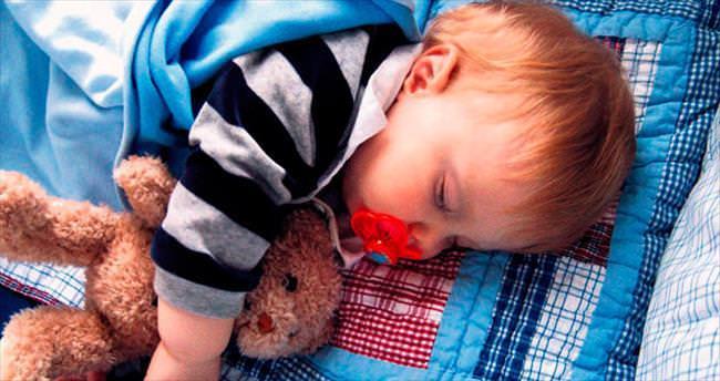 2 yaşından itibaren bebeğin odası ayrılmalı