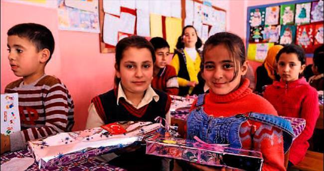 70 bin Suriyeli çocuk okullu oldu