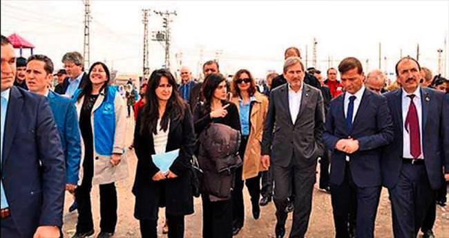 AB heyeti çadırkentte Suriyelilerle görüştü