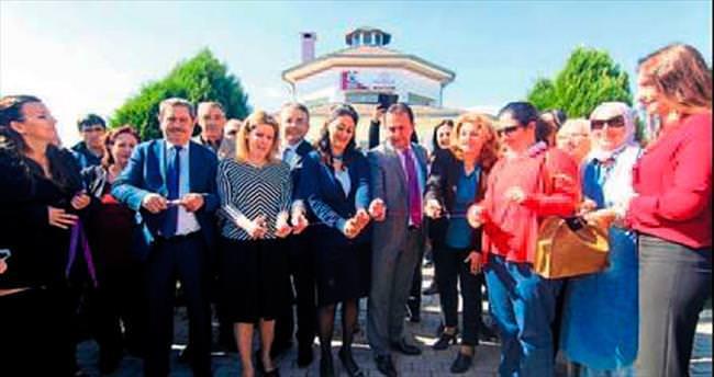 Menderes'te kadına özel merkez açıldı