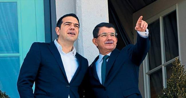 Davutoğlu ve çipras tarihi zirve için izmir'de