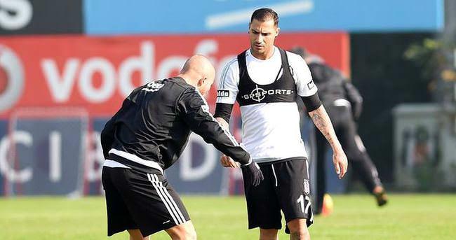 Beşiktaş'tan Quaresma ve Gökhan Töre açıklaması