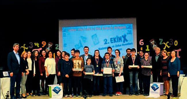 Genç beyinler Ekin Koleji'nde yarıştı
