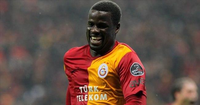 Sunderland, Eboue ile anlaştı