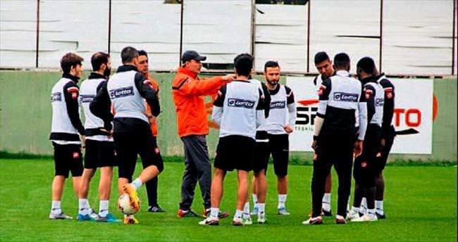 Adanaspor'da hazırlık sürüyor