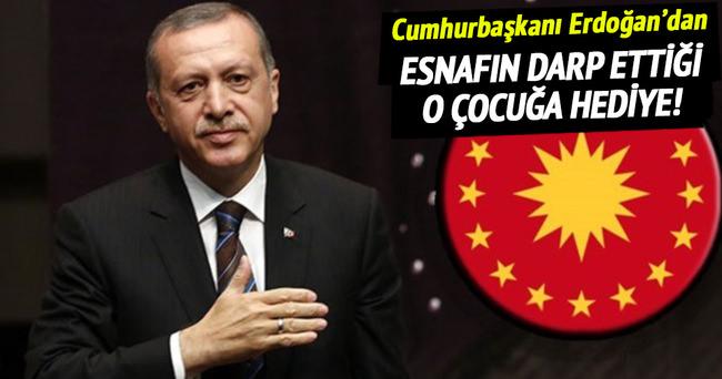 Esnafın darbettiği çocuğa Cumhurbaşkanı Erdoğan'dan hediye