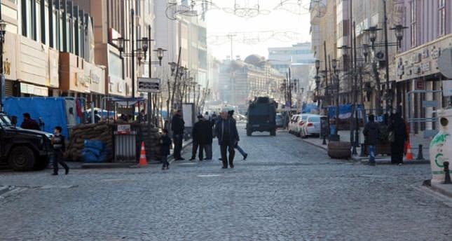 Sur'da bazı mahalle ve sokaklarda sokağa çıkma yasağı kaldırıldı